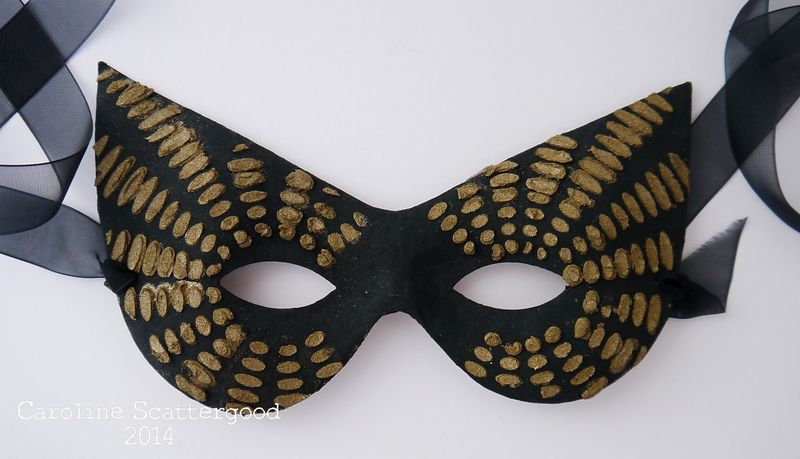 FaceMask-Black and Gold