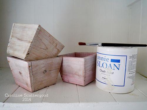 Wooden_Pots-Annie_Sloan